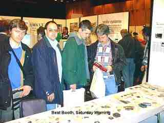 Buyers at best booth.jpg.jpg (8395 bytes)